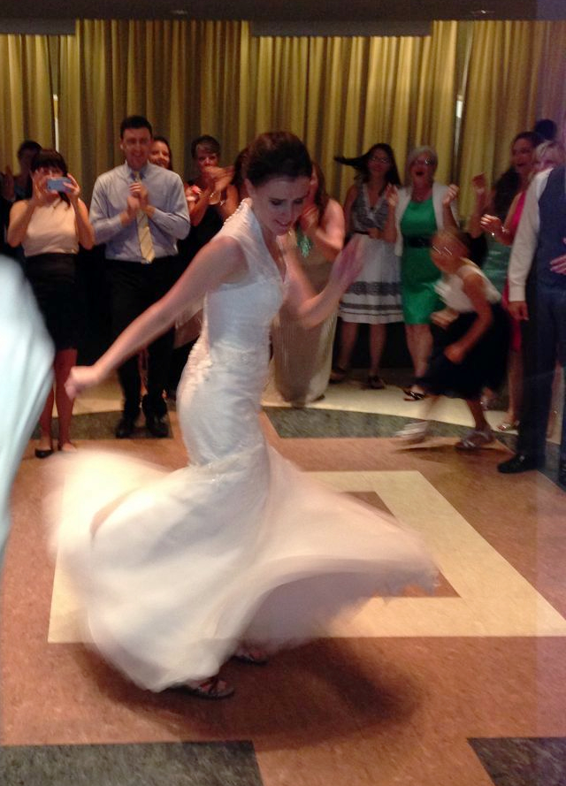 And then the bride busts a move!